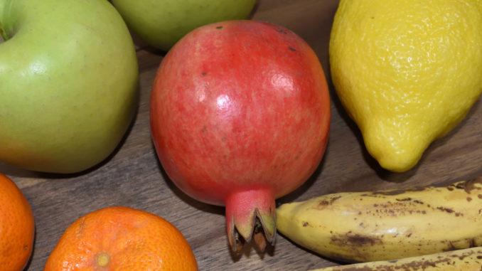 Powerfrucht Granatapfel - unter der Schale stecken leckere Kerne.