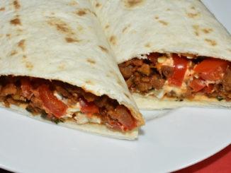 ¡Que aproveche! - mexikanische Tortilla vegetarisch lecker gefüllt.