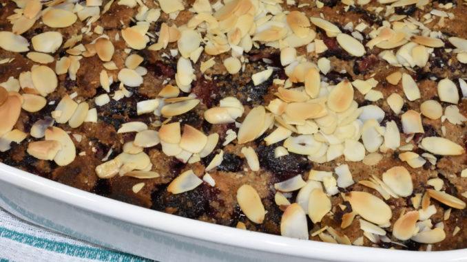 Der kommt gerade aus dem Ofen: Kirschenmichel ist ein süßer Auflauf und typisch deutsche Küche.