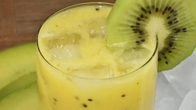 Dieser sonnengelbe Drink macht nicht nur gute Laune, sondern gibt Dir auch sofort jede Menge Energie !
