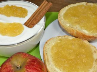 Apfelmarmelade - mal klassisch auf's Brötchen, mal als Topping zu einer Schale Joghurt.