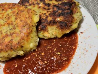 Bei meinen Kartoffeltalern trifft gesundes Superfood aus Südamerika auf griechische Käsespezialität.