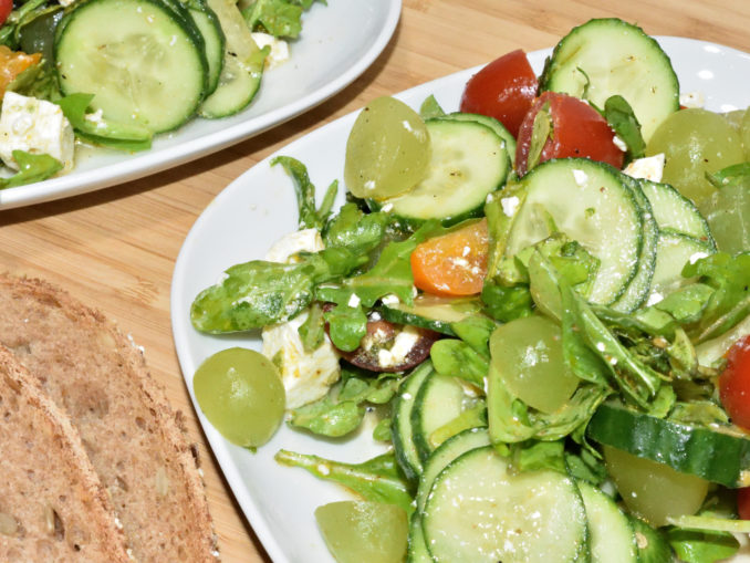 Gurkensalat muss nicht langweilig sein - mit frischen Zutaten und dem richtigen Dressing (ich sag nur Zitrone...) wird daraus ein moderner Genuss.