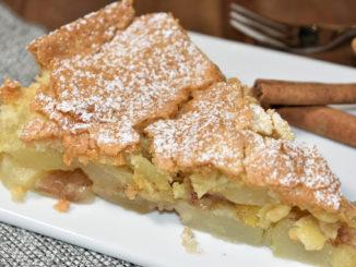 Geniale Liaison aus Äpfeln und Birnen: Meine Variante eines Obstkuchens mit besonders fein-krümeligem Teig und einer tollen Zimtnote ist bestimmt der Hit auf jeder Kaffeetafel.