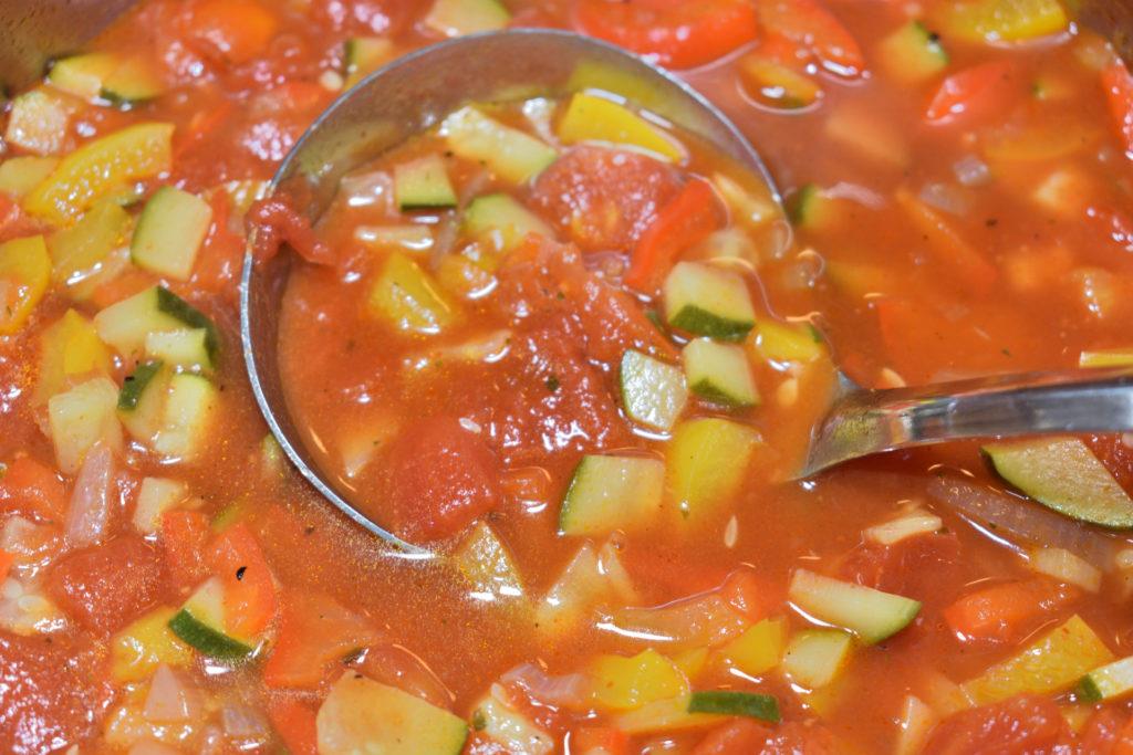 Eine Portion - gut geschöpft | Bei dieser leckeren Suppe will niemand nur eine halbe Portion essen... stattdessen schöpft jeder aus dem Vollen! Und der Nachschlag wird schnell zum Vorschlag. :-)