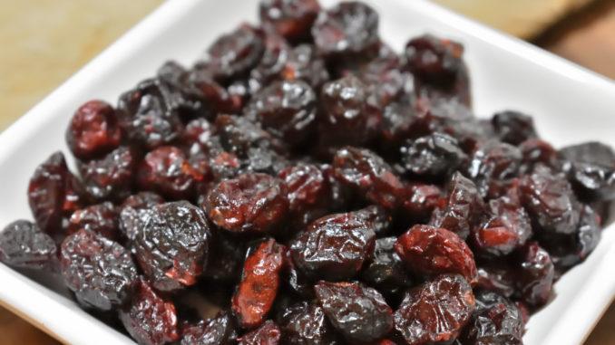 Powerfrucht Cranberries - klein und oho | Zugegeben, die sehen doch recht unscheinbar aus. Aber in diesen kleinen Beeren steckt ein fein herb-säuerliches Aroma, das perfekt zu Hanf passt.
