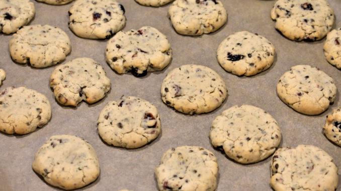 ... und frisch aus dem Ofen! | Jetzt nur noch abkühlen lassen, mit Staubzucker oder Kakaopulver bestreuen - und genießen!