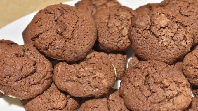 Schokoladenfladen - Serviervorschlag | Ob pur, mit ein bisschen Staubzucker bestreut oder mit Kuvertüre bestrichen, Deiner Phantasie sind keine Grenzen gesetzt.